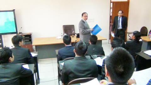 Hon'ble Chief Justice delivering lecture in the class